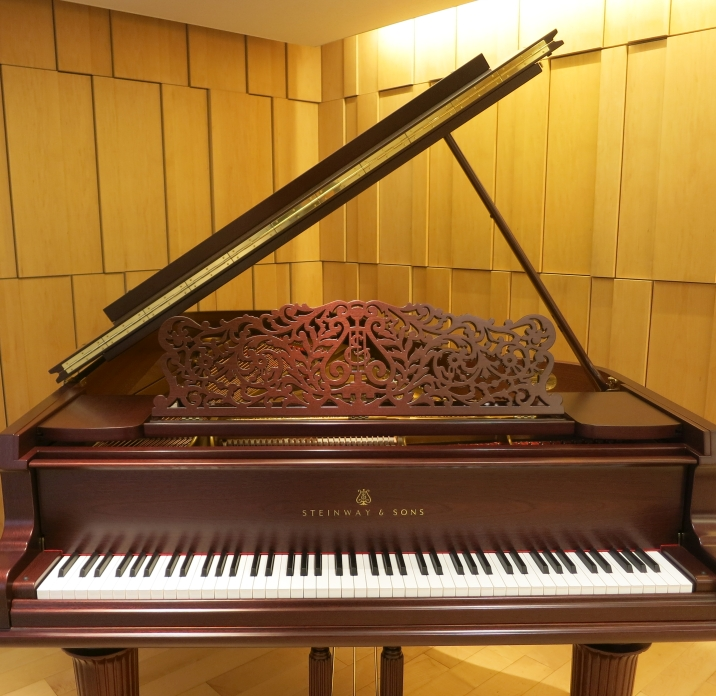 /pianos/steinway/limited-edition/SJL20th